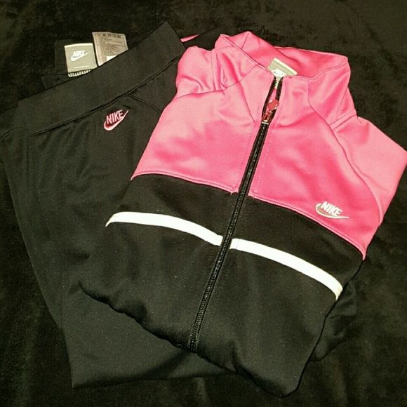 Nike Sweat Suit Pink, Black, and White Nike Outfit. Like new condition, barely worn. Nike Other