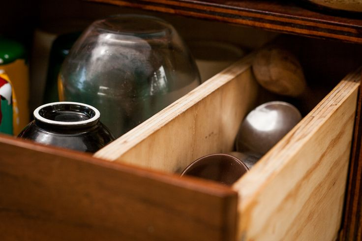 Drawer for cups and cutlery.