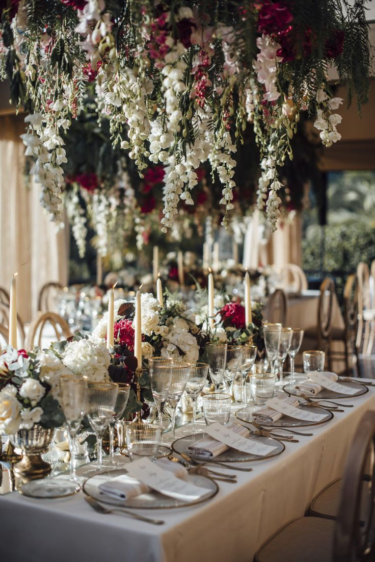 Amazing Centerpieces in Luxury Russian Wedding.    Set up & Deco by Mille Papillons.    See you more in www.millepapillons.com