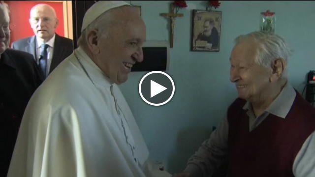 Durante la visita di questa mattina alle famiglie delle Case Bianche a Milano, papa Francesco ha saputo che una anziana, la signora Adele, per...