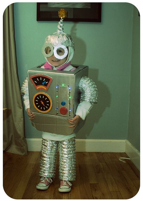 Now, who remembers when Mom would actually MAKE your halloween costume?  I do!!  This one looks like so many we had as kids.  I am guilty of not continuing the tradition.  But hey, I work.  = no time for creativity!