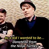 OMG AND FOB WAS ON THE TMNT FLOAT AT THE MACY'S THANKSGIVING DAY PARADE THIS YEAR AHHH
