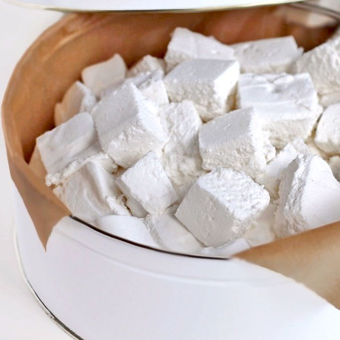 4-ingredient SUGAR FREE Marshmallows!  Yup, no corn syrup or agave in sight [fat free, low carb, gluten free]