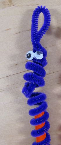 Pipe-cleaner Pencil Toppers Idea Craft For Kids http://kidsparties123.com
