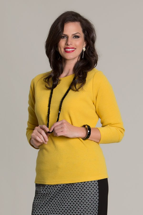 6030 Warm Handle Basic Top Short - A winter essential that is basic, yet a necessity to any Swish winter wardrobe. Coming in a black or mustard, this top is made to sit on the hips and is very warm for winter.