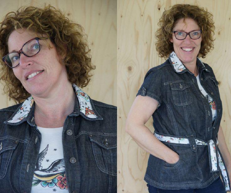 Donkerblauw spijkerjasje korte mouw, maat L-XL Upcycled jeans item 'Pimped by Lazy Lola'