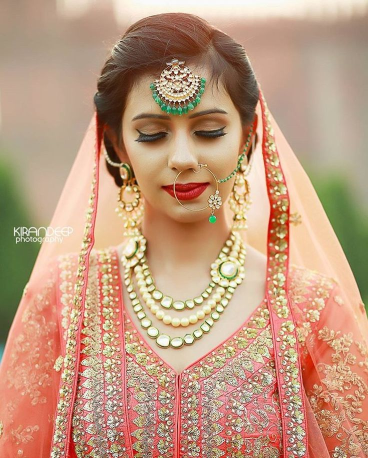 Kirandeep_photography on Instagram captured this lovely shot of this beautiful bride! I don't know if I should admire the jewelry, makeup or anarkali! Perfection.