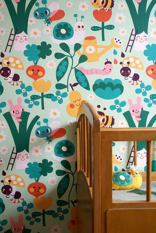 In the garden wallpaper. Design by Deborah van de Leijgraaf - byBORA.com