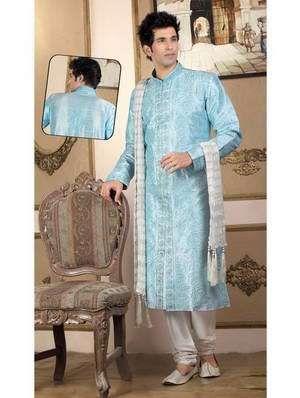 «Голубой шервани и чуридары (или дхоти, патиала, шальвары) из дизайнерского шёлка с бисером, пайетками