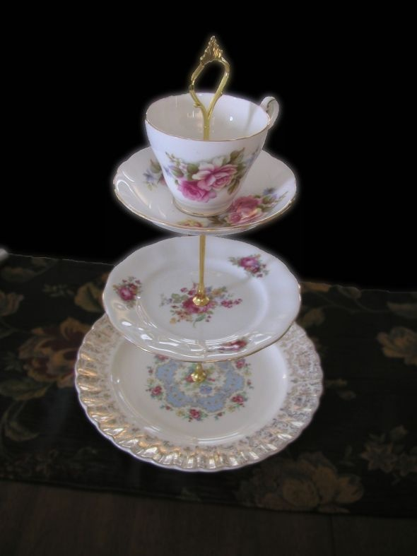 Tea Cup Stand Cake Stand Amp Tiered Serving Tray Ideas