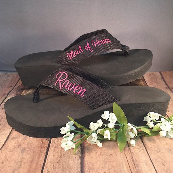 Personalized Flip Flops - Bridesmaid Sandals - Bridesmaid Flip Flops - Bachelorette Party Shoes - Bridesmaid Gifts