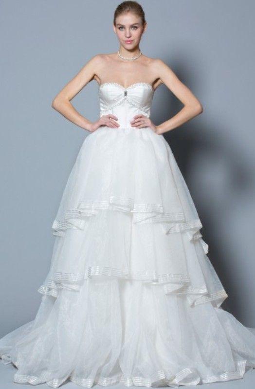 RoseClarysse: Choisissez votre robe de mariée en version courte, courte devant et longue à l'arrière, longue ou même en amovible!!  Retrouvez les robes de mariées sur www.mariageenrose.fr