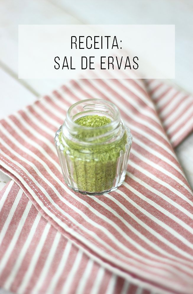 Ideia fácil e barata para incrementar as receitas: sal de ervas! Você mesmo pode fazer, sabia? ;-) // palavras-chave: receita, receita fácil, casa e cozinha, cozinha, receita barata, comida saudável, alimentação, sal marinho, sal saborizado, sal aromatizado, receita fácil, receita salgada, receita vegana, receita vegetariana.