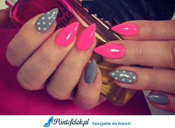 Szaro różowe paznokcie