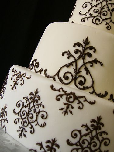 Damask piping close-up by Crazy Cake Lady, via Flickr