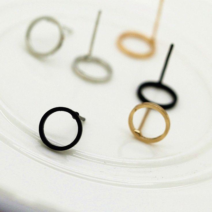 Round Circle Stud Earrings