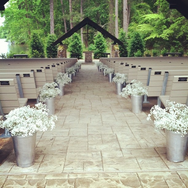 Babys breath isle runner wedding inspirations pinterest for Aisle decoration for wedding