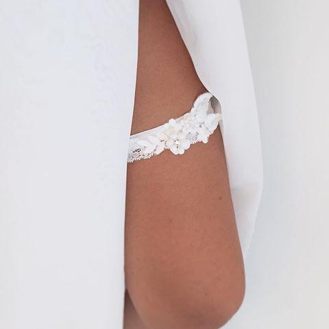 Koronkowa biel #podwiazka #slub #pannamloda #prezent #niespodzianka #woman #wedding #garter #bride #bridal #gift #wesele #podarunek #handemade #slubnepomysly #ozdobyslubne #slubneinspiracje #kobieta #koronka #weddingidea #milosc #wieczorpanienski #dodatkislubne #bieliznaslubna #lingerie #trojmiasto #musthave #sukniaslubna #zareczyny #podwiązka