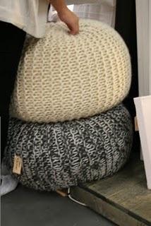 Delightful Knitted Pouffe Design Ideas