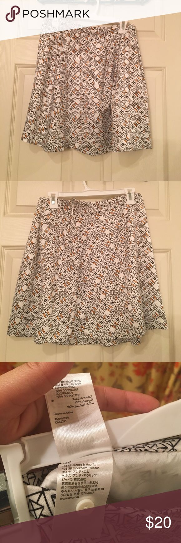High waisted skirt Fully lined, bought at a thrift store NWOT H&M Skirts Circle & Skater