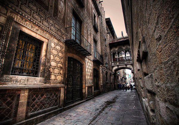 Готический квартал (Gothic Quarter)