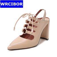 El envío libre 2017 Zapatos de Las Mujeres Bombas de cuero Genuino dedo del pie puntiagudo zapatos de tacón Alto Dama de la moda-atado Cruz Tacones Gruesos de alta Zapato de tacón alto