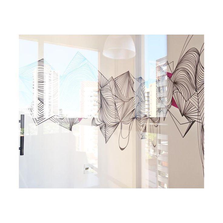 a arte é como um reflexo das minhas janelas.  --  [série de intervenções na agência Fmalta]  --  #bykaju  #kalinajuzwiak