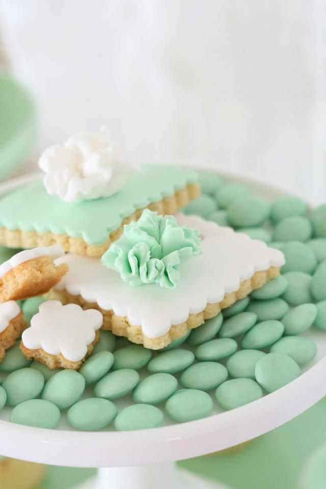 White and green sweets for a mint green wedding