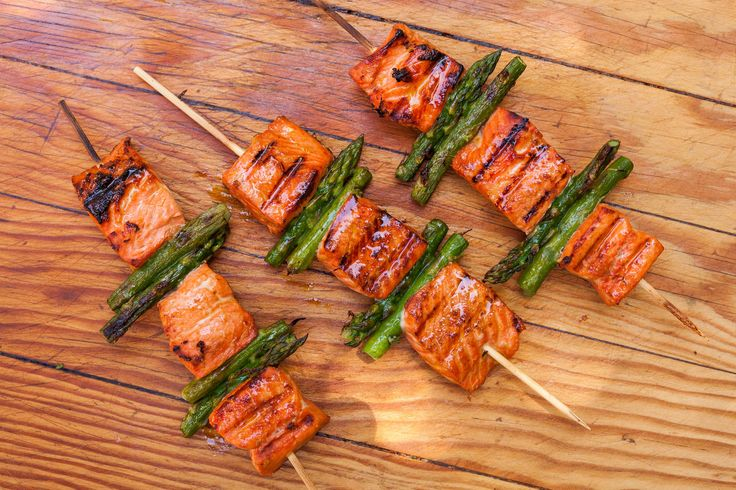 Salmon and Asparagus Kebabs - a perfect recipe to grill for Spring!