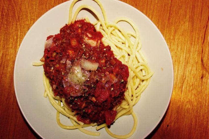 Tłusty bolończyk, czyli bolognese takie jakie być powinno - zgara.pl  #bolognese #spaghetti #italianfood #streetfood #food #beef #pasta #jedzenie #gotowanie #przepis
