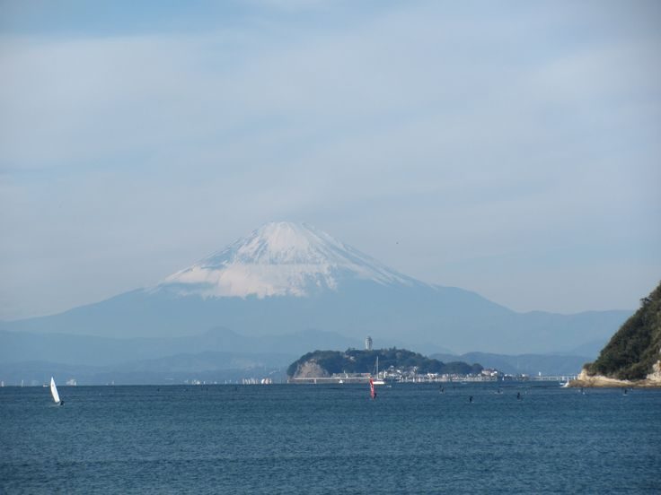 Took Mt. Fuji while dog walking. It was unusual pattern of snow, and found explanation for this, next day's article. http://mainichi.jp/shimen/news/20151130dde041040038000c.html
