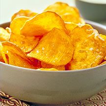 These Homemade Baked Sweet Potato chips will liven up all of your parties and family get-togethers. If leftover chips become soggy, put them back in a hot oven for a few minutes. #recipe #WWLoves