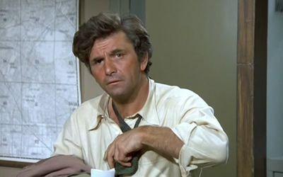 Peter Falk in Columbo: Negative Reaction (1974)