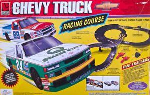 Vintage 1996 Collection Piste de course électrique Chevy Truck L