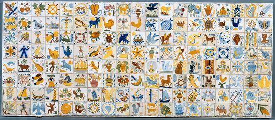 Paolo Ferreira; Fred Kradolfer; Tom; Emérico Nunes Bernardo Marques   Painel de / Panel of lambrilhas   1937 -1942   Museu Nacional do Azulejo   Fotógrafo: José Pessoa, 1995 #Azulejo #AzulejoDoMês #AzulejoOfTheMonth