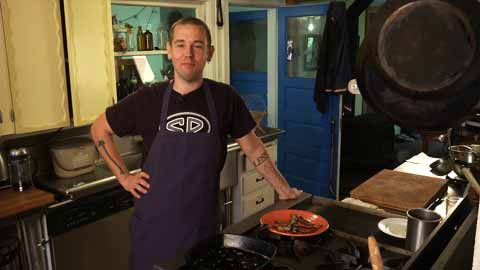 Guaranteed, you've never had bacon this good from the store. Step-by-step, Ben Meyer takes you through on how to make bacon at home. …How to Make Homemade Cured and Smoked Bacon