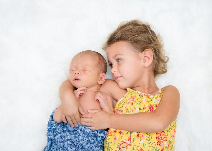 Newborn detail photos memphis tennessee newborn lifestyle family portrait session memphis newborn photographer