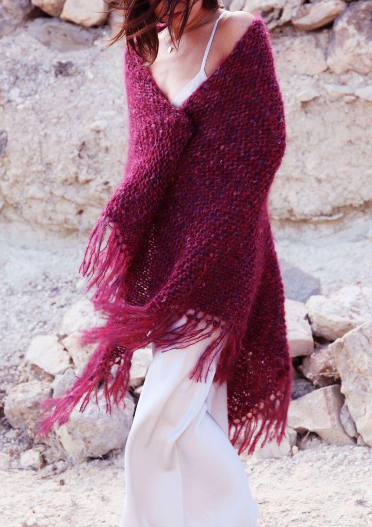 Punto boho Lagenlook extra grande hermosa Borgoña rojo y multi color mantón, bufanda del hombro. de AnnaOhSailors en Etsy https://www.etsy.com/es/listing/465730642/punto-boho-lagenlook-extra-grande