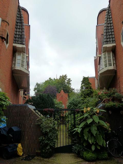The Amsterdam School - garden