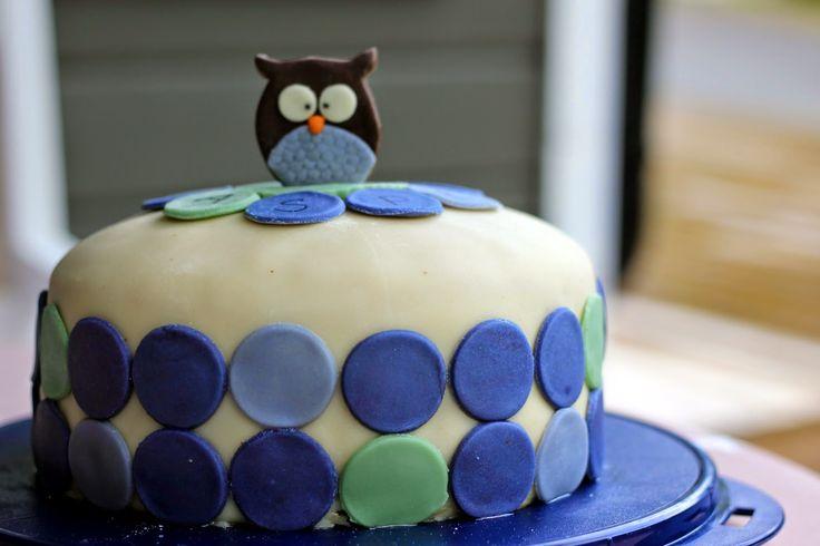 Made this cake for the cutest little boy  http://bakegleder-camilla.blogspot.no/2014/08/navnefestkake-til-en-st-liten-prins.html
