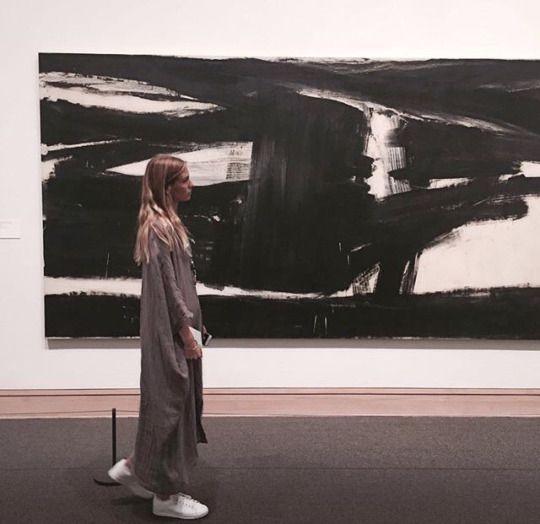 Sarah Brandner at the metropolitan museum of art. #model #beautiful #german #girl #woman #blondie #blonde #street #style #casual #outfit