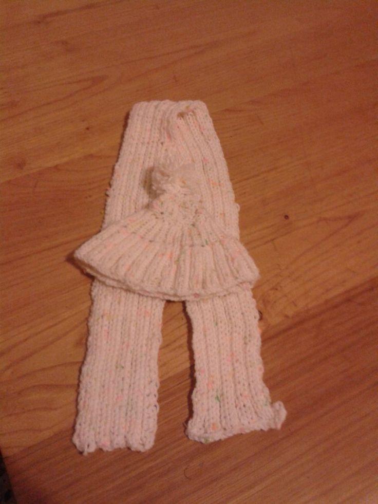 Set sciarpa più cappellino neonata, by Fantasie in legno di Geppetto B, 12,00 € su misshobby.com