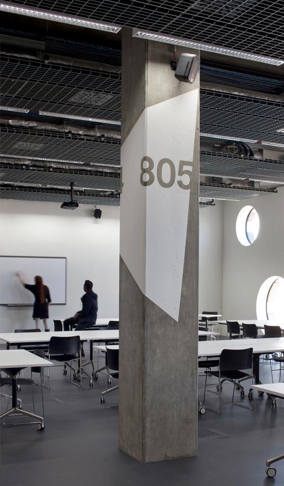 Ravensbourne sinalizar06 direct sign way pinterest - Pillars design in interiors ...