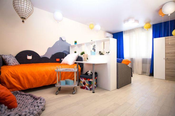 Паркетная доска Parquet life Дуб Амадей http://m-dec.ru/catalog/floor/parketnaya_doska/dub-amadey Светлый пол. Светлый паркет. Оранжевый цвет в интерьере. Паркет в интерьере.