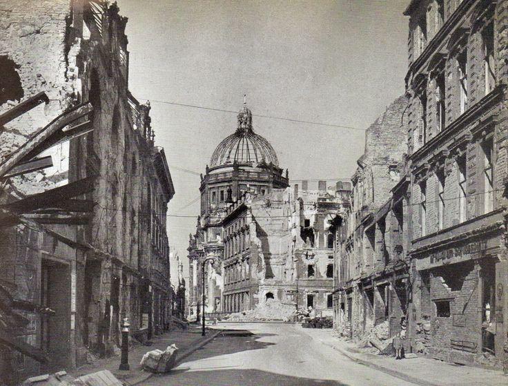 Berlin 1945 Brüderstraße, Sommer 1945.
