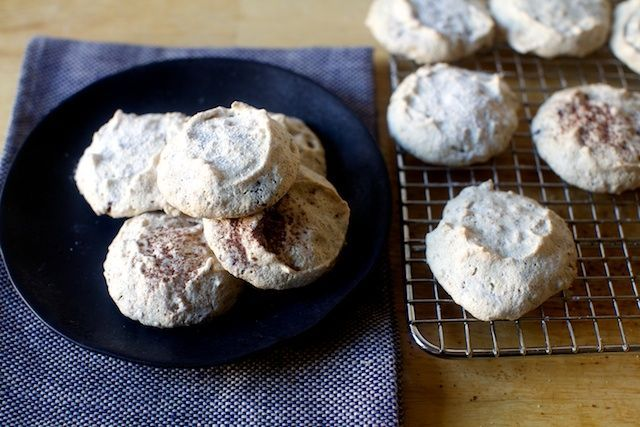 Brutti ma buoni: ugly-but-good cookies