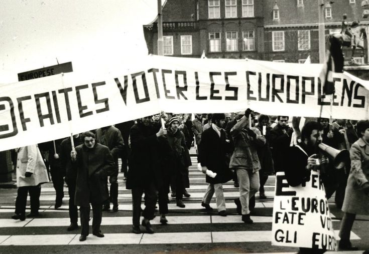 Europeans demonstrating for direct elections to the European Parliament during the Summit of Heads of State and Government, The Hague, 1969