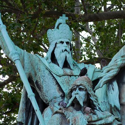 In which city did Charlemagne, King of the Franks, reside? Aachen (modern Germany).