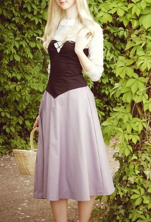 Aurora... I need to make this. I already have the ball gown, I'm feeling I need the peasant dress :)