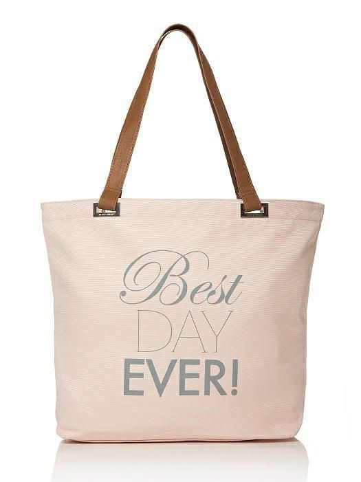 best day ever bag for your diy wedding day emergency kit (including a shopping list) http://www.southernbride.co.nz/diy-wedding-day-emergency-kit/
